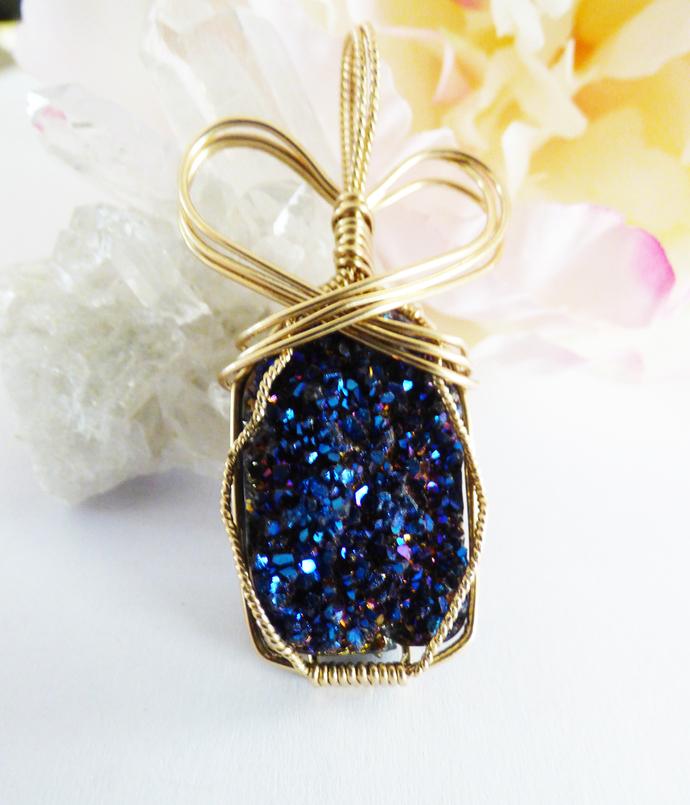 Sparkling Druzy Pendant in Gold