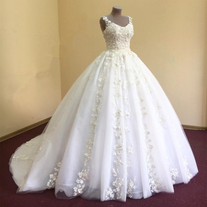 Wedding Dresses, Wedding Gown,elegant lace appliques v neck white organza ball