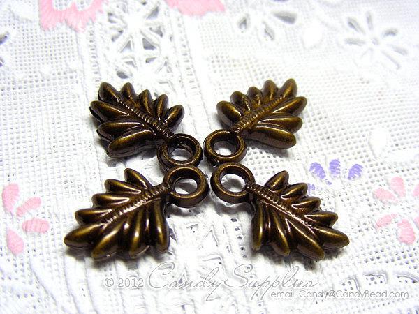 20pcs - 20x13mm Antique Brass Leaf Charm