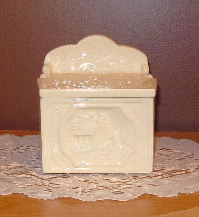 Victorian Salt Box - Antique French Vanilla