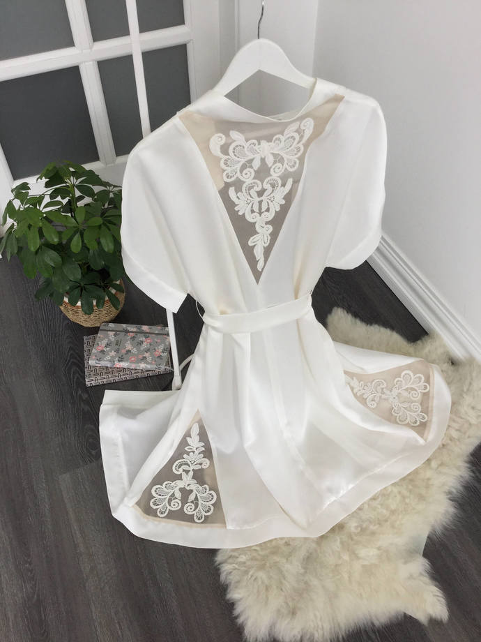 Short Silk Kimono Bridal Robe with lace handmade decoration D6(Lingerie), Bridal