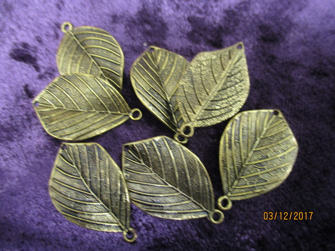 7 x Brass Leaf Charms