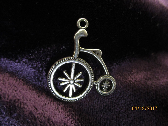 1 x Penny Farthing Bike Charm