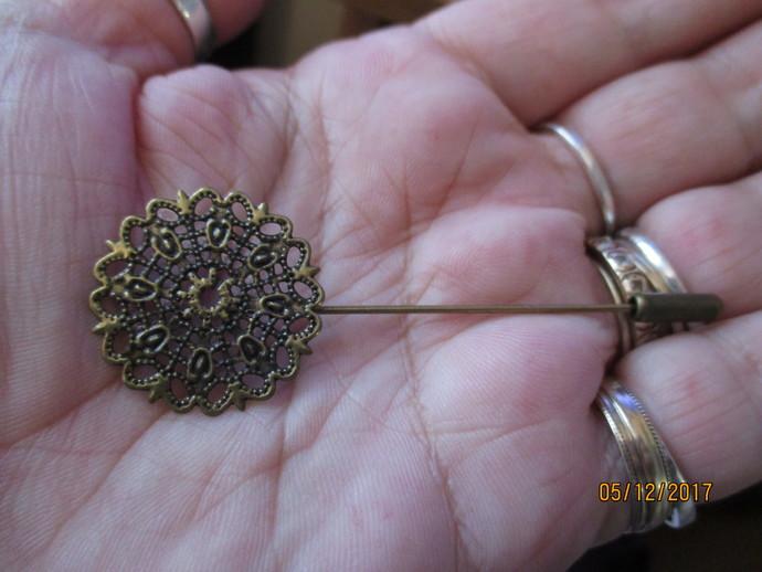 1 x Bronze Flower Pin