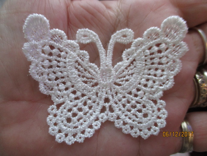 1 x Guipure Butterfly Applique