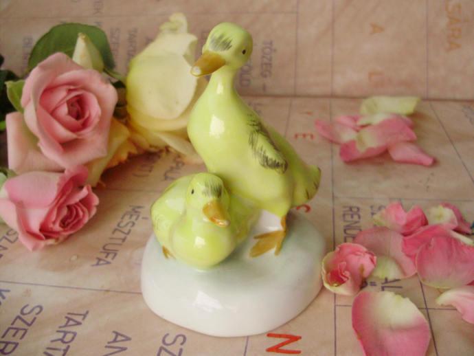 Vintage Hungarian,Aquincum  porcelain bird  figurine,duck