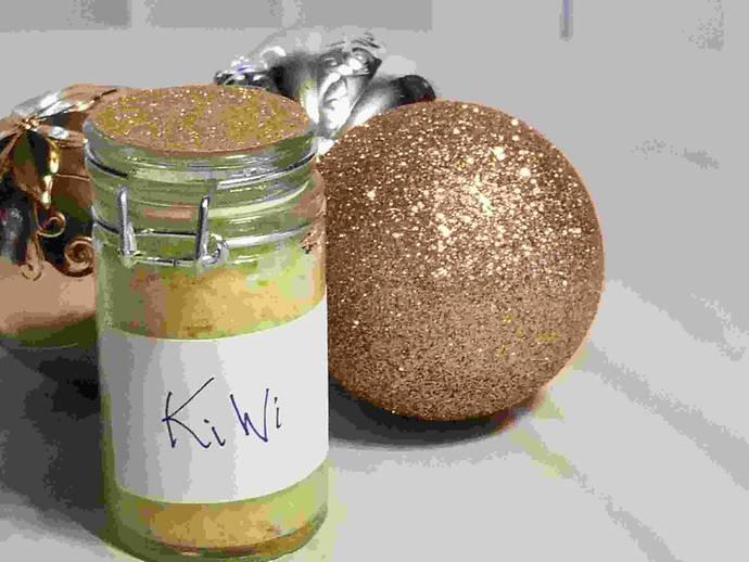 Sweet Iris Fragrances and Relaxation: Kiwi Scented Bath Salts