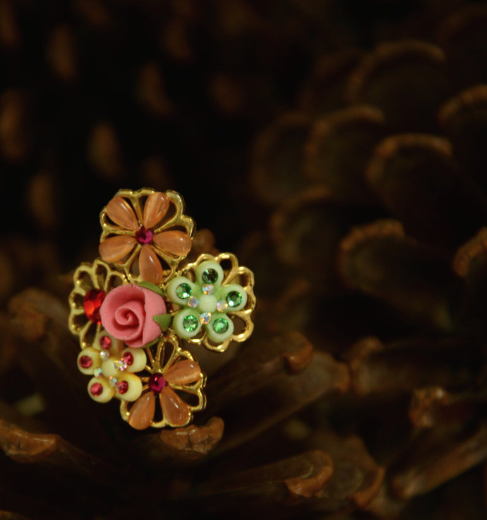 A Set of Beautiful Polymer Clay and Beads Ring: Floral Cross