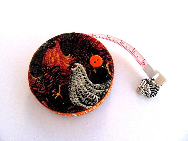 Retractable Tape Measure with Realistic Chickens Measuring Tape