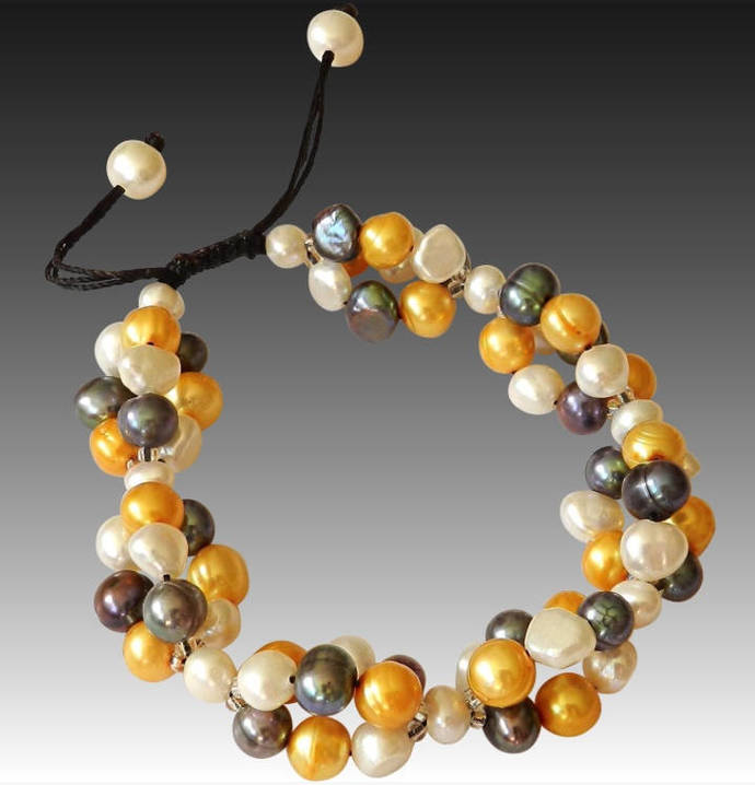 Pearl Bracelet with White, Gold and Black Pearls