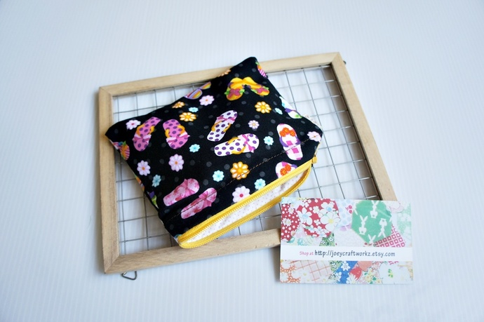 Sandals small zip pouch