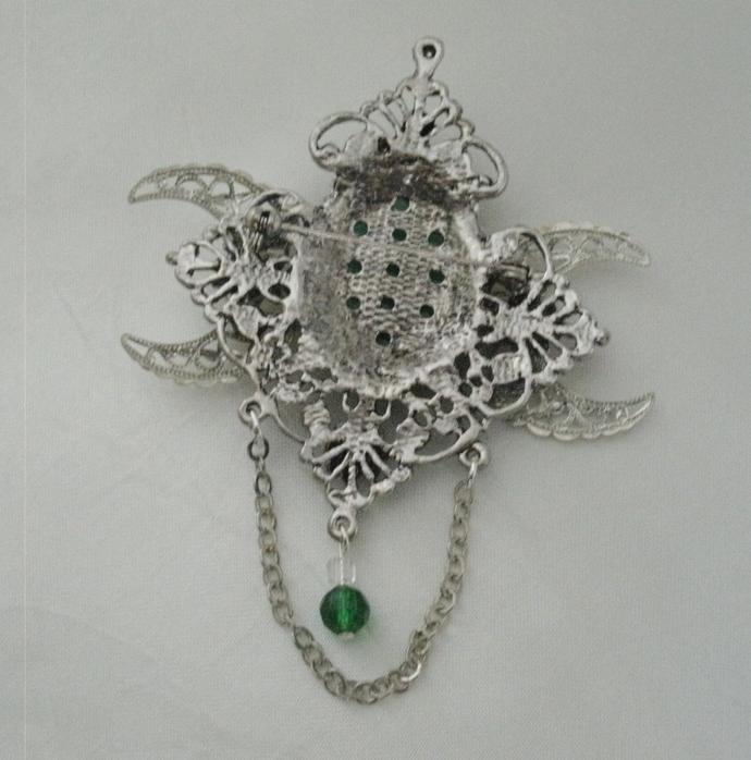 Green Agate Triple Moon Brooch Or Cloak Pin