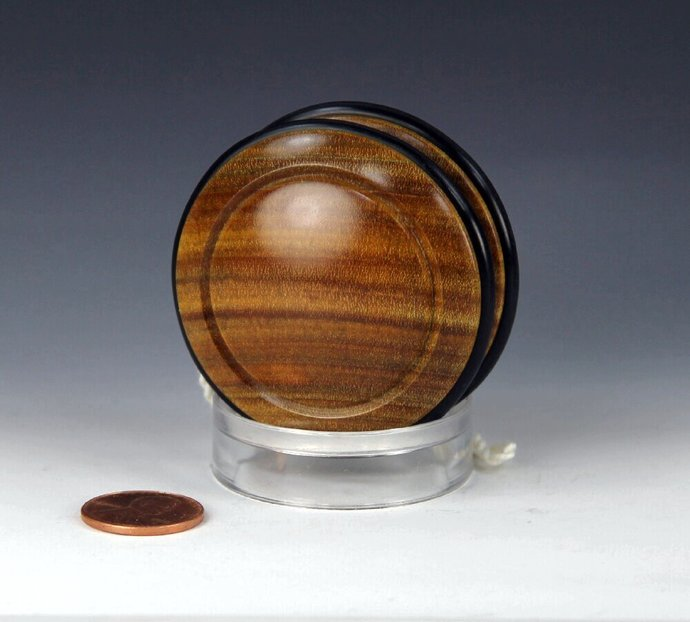 Handmade Toy YoYo, Fixed Axle Imperial, made from Argentine Lignum Vitae (Tree