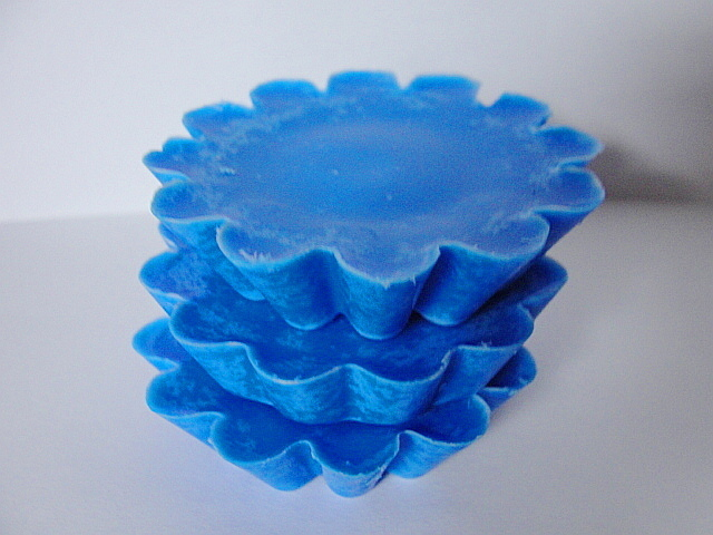 SOY Wax Melts---WICKLESS CANDLES--Wax Tarts--Wild Berry Scented--Large Size