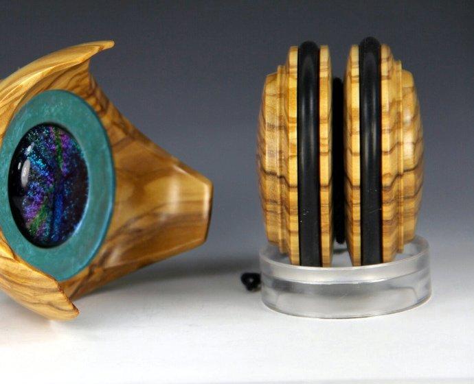 Handmade Yo-Yo and Matching Display - Roman Olivewood & African Blackwood