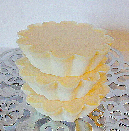 SOY WAX MELTS-Soy Tarts--Wickless Candles--SANDALWOOD N CEDAR-