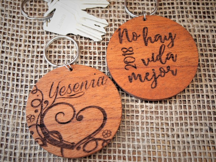 Wood Key chain / Llavero de madera