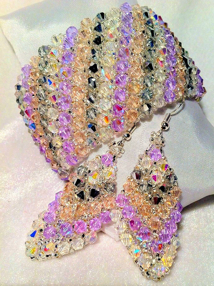 "Crystal Set, Bracelet and earrings ""Capricho""; Encrusted with Crystals; Hand"