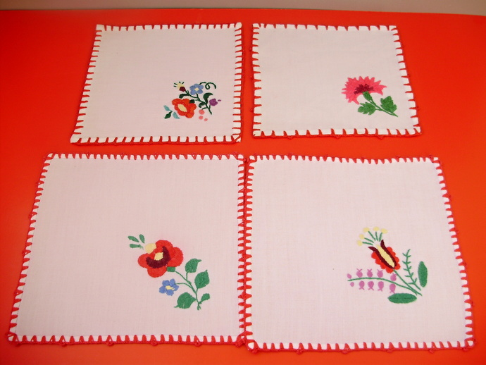 4 pcs Vintage,Hungarian handmade embroidered  doily ,Kalocsa flower