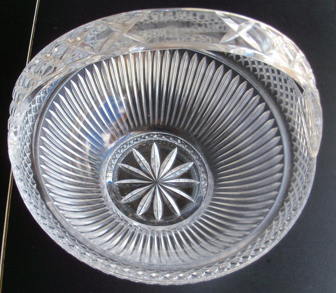 Large Handled Glass Basket With Diamond Design