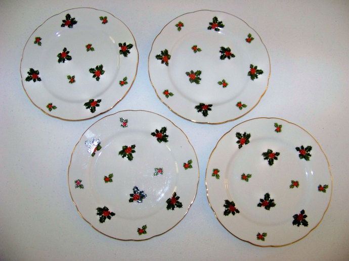 Lefton China Holly Leaves & Berries And Gold Trim Set Of Four Plates 7953