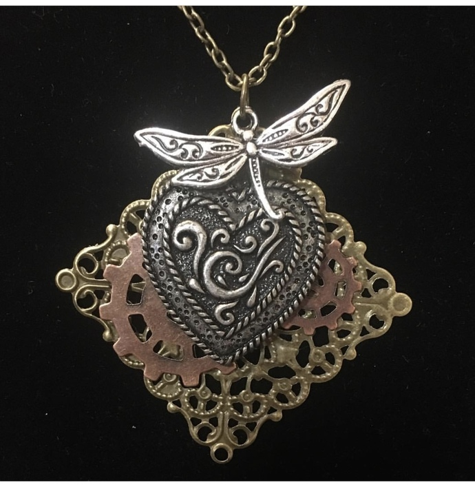 Lighthearted necklace