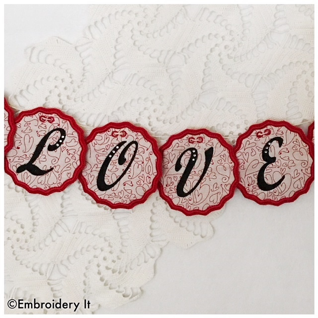 Scallop Edge Circle Banner Full Alphabet Set Machine Embroidery Designs -