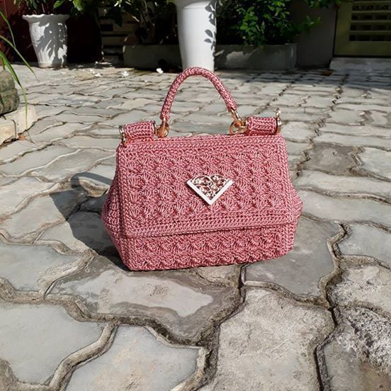 Beautiful handbag in pink