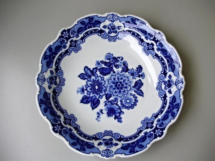 Vintage,Wallendorf porcelain ,blue centerpiece,fruit bowl,serving plate,platter