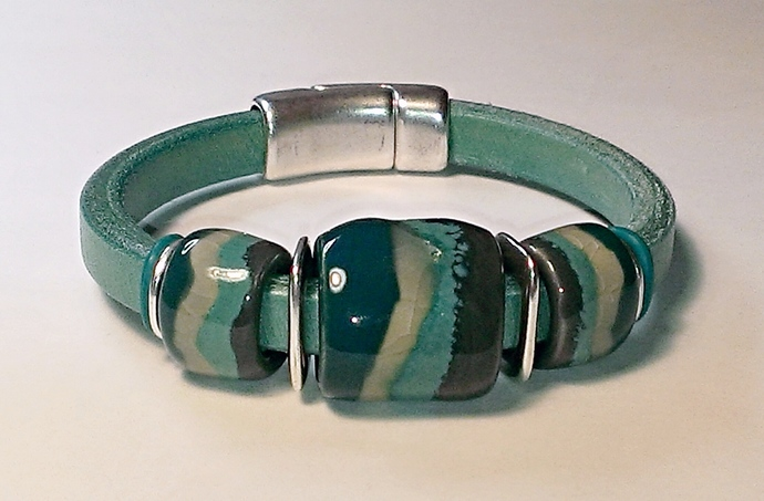Regaliz Greek Leather & Kazuri Bracelet, Item #2400