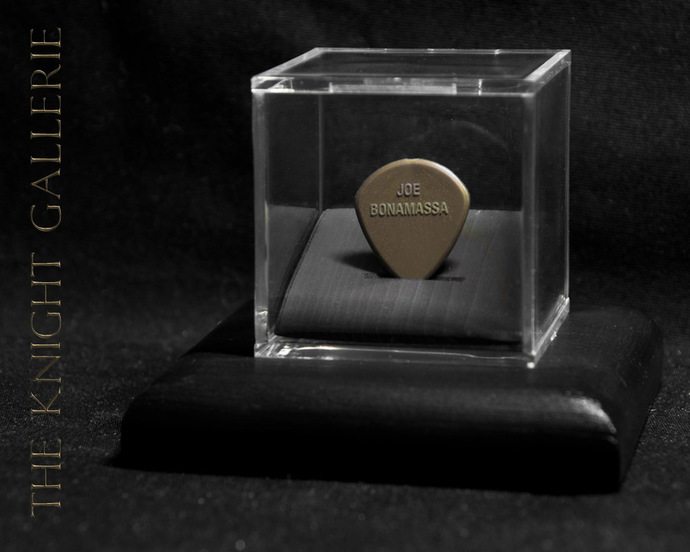 Joe Bonamassa: authentic guitar pick and display case