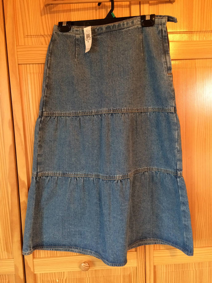 Ann Taylor LOFT Sz 6  tiered blue denim prairied skirt  RETRO NWT Boho Skirt