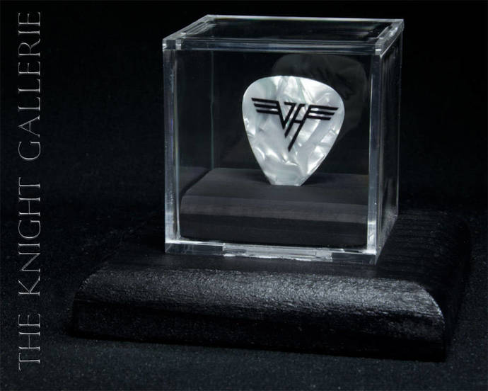 EDDIE VAN HALEN: authentic guitar pick and display case