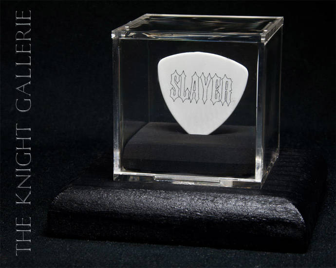 SLAYER: Kerry King guitar pick and display case