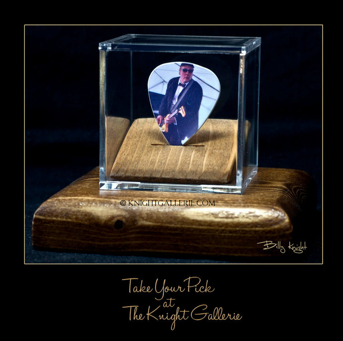 Rick Nielsen: commemorative guitar pick and display case