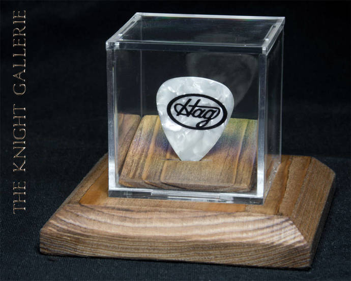 MERLE HAGGARD: commemorative guitar pick and display case