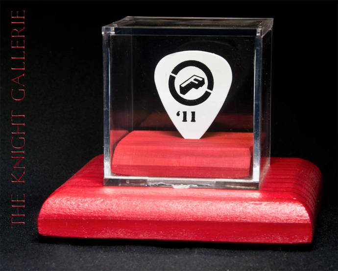 MICK JONES/FOREIGNER: authentic guitar pick and display case