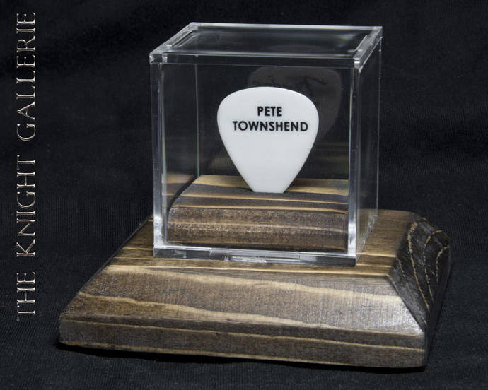 PETE TOWNSHEND: authentic guitar pick and display case
