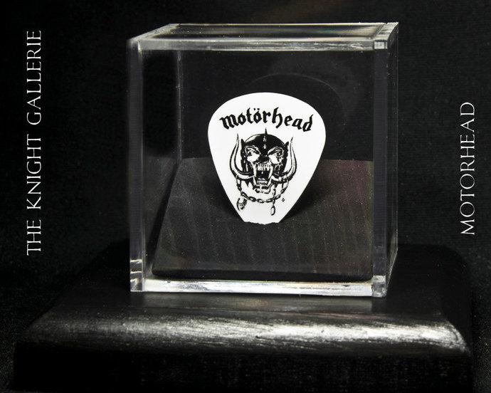 MOTORHEAD: commemorative guitar pick in a display case