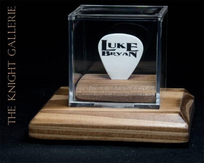 LUKE BRYAN guitar pick and display case