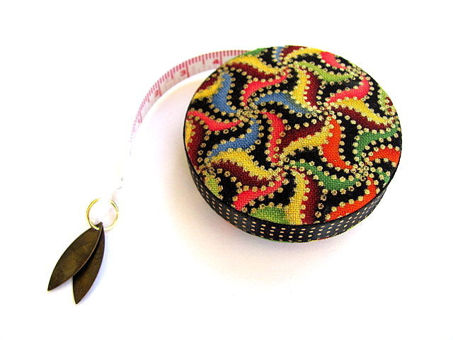 Measuring Tape Golden Dots and Swirls Retractable Tape Measure