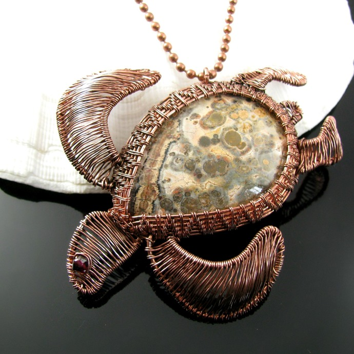 Wire woven sea turtle pendant with leopard jasper