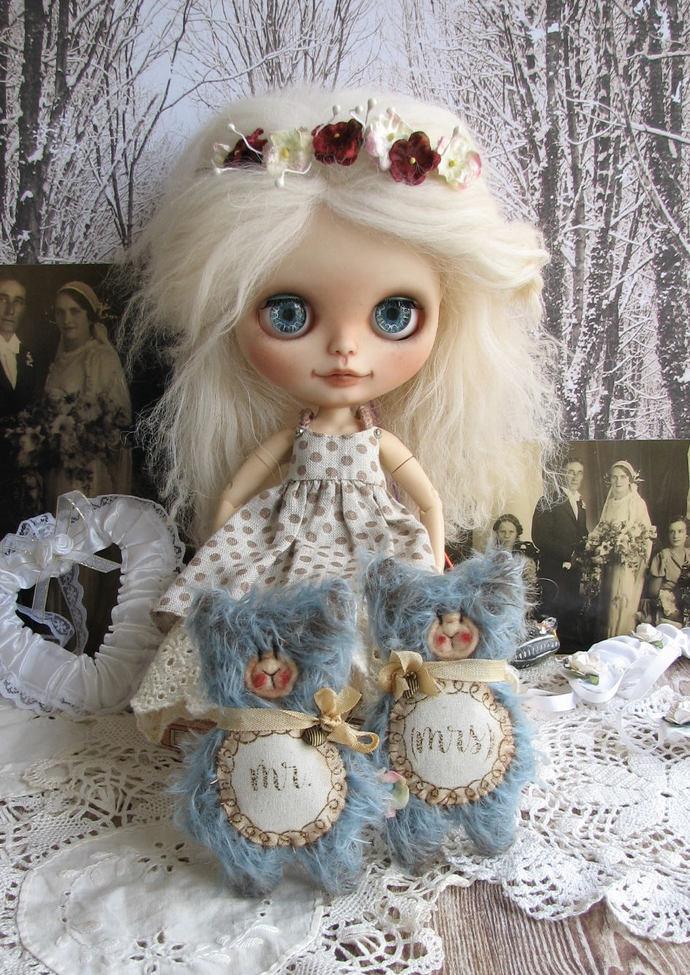 Handmade Mini Flat Wedding Gift Mr and Mrs Teddy Bear by Woollybuttbears