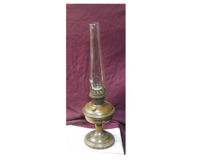 Rustic Antique, Vintage Metal Oil Lamp - Working original