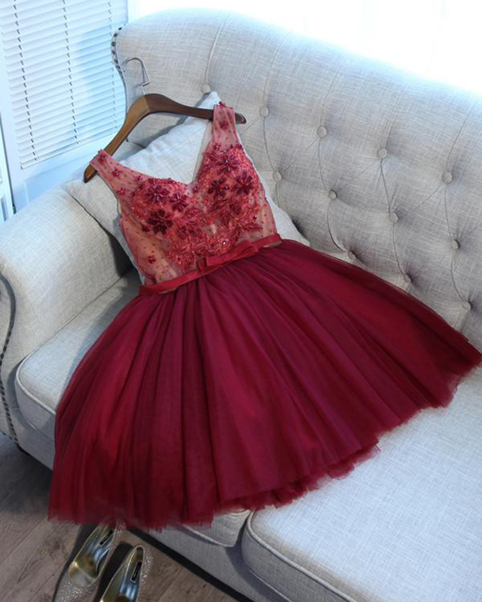Cute burgundy tulle v neck short homecoming dress, beaded party dress with