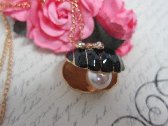 Oyster Sea Shell Pearl Pendant Jewelry stl