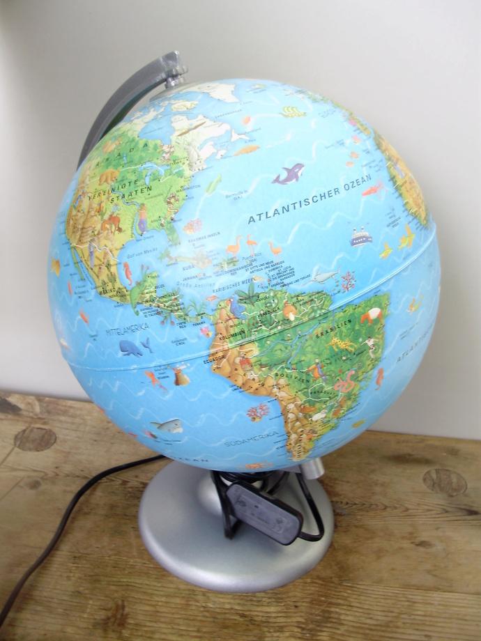 World Globe Lamp, Kid Lamp,Child Lamp, Planet Earth, In German Language