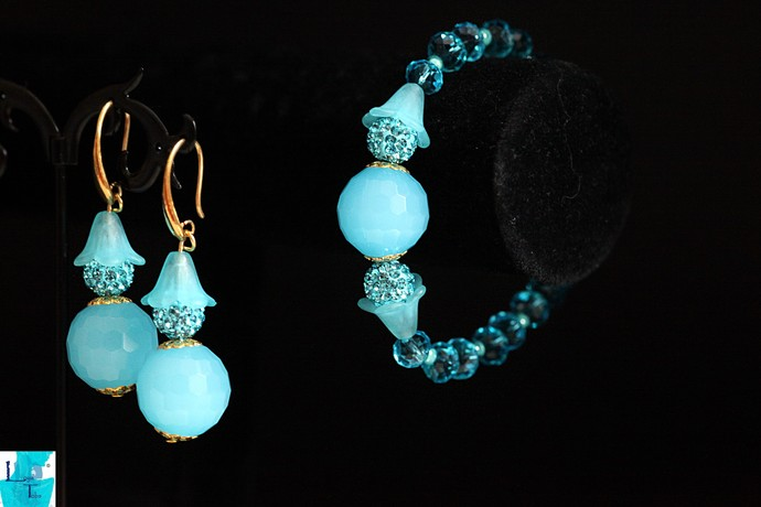 BubbleGum Blue Bracelet and Earrings Set