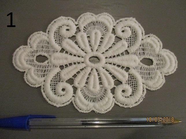 Shawl in brussels bobbin lace appliqué on machine made net