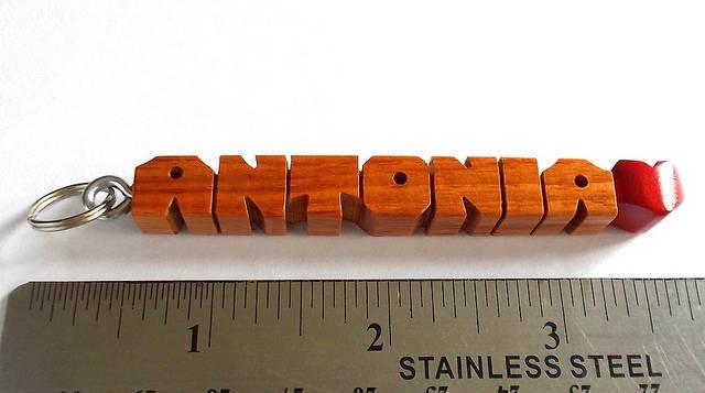 "ANTONIA ♥ - Sample Name ""MiniTag"" Heart-Fob in Canarywood"
